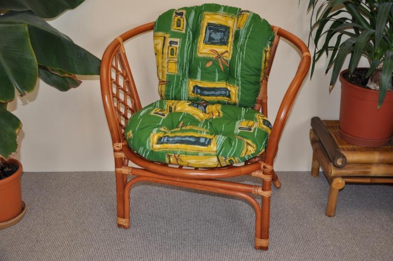 Ratanové křeslo Cayman barva koňak polstr zelený