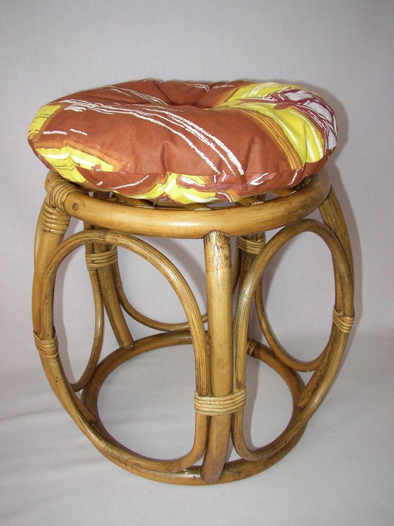 Ratanová taburetka brown wash široká polstr hnědý list