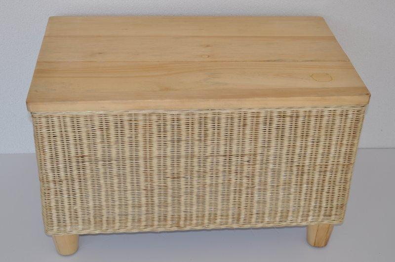 Ratanový stolek Belvoir - vzhledové vady