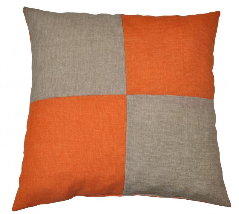 Veselý polštářek - tmavě béžová/oranžová